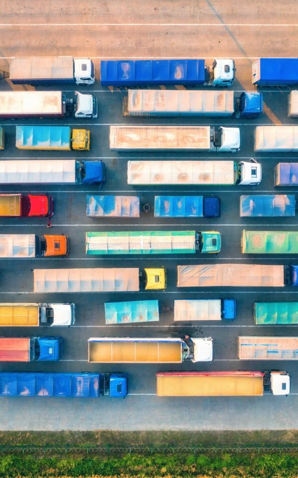 大量のトラック